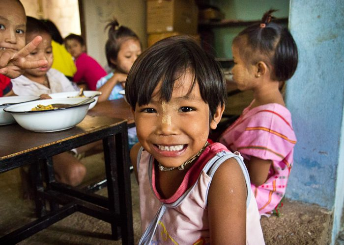 Hazte socio colabora birmnaia