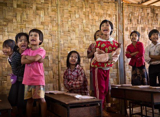 Colabora-Birmania_Escuela 42