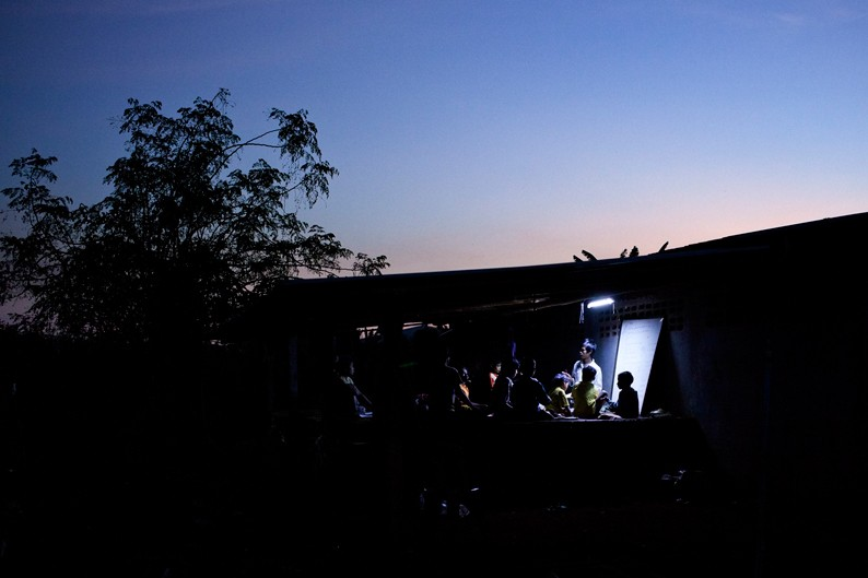 escuela nocturna pryecto colabora birmania